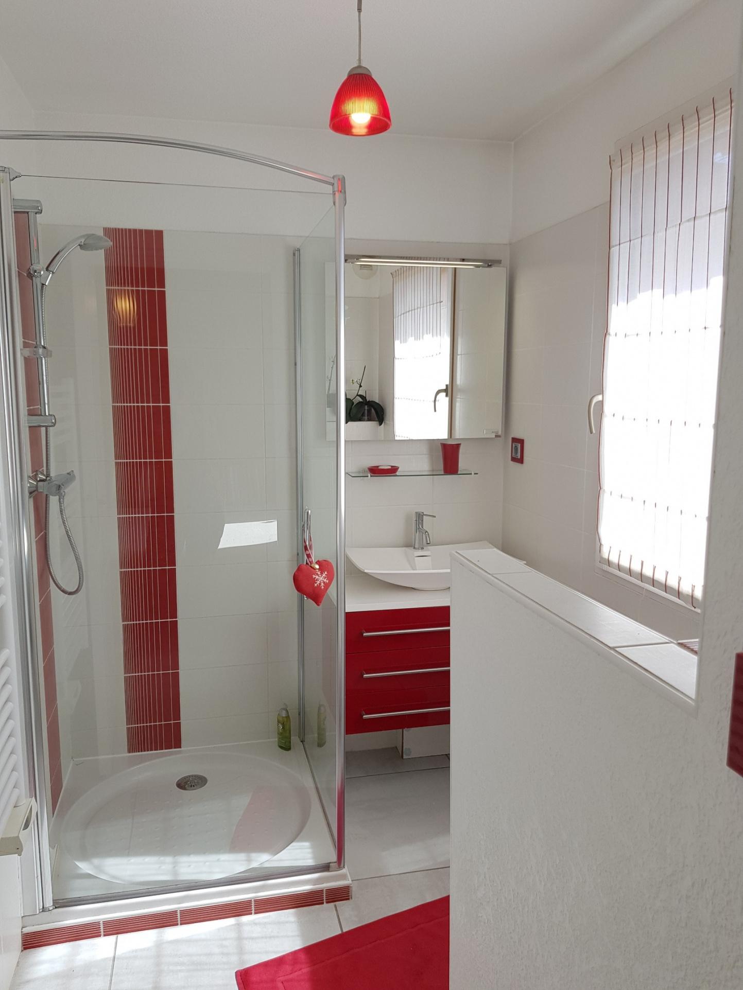 Salle d'eau-wc chambre 2